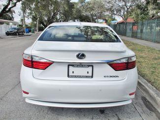 2015 Lexus ES 300h Hybrid Miami, Florida 5