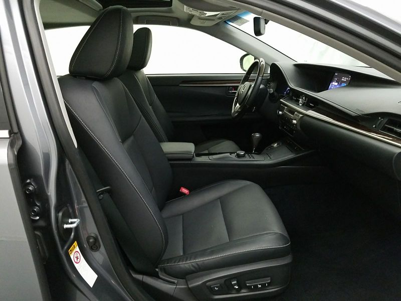 2015 Lexus ES 350   in Minnetonka, Minnesota
