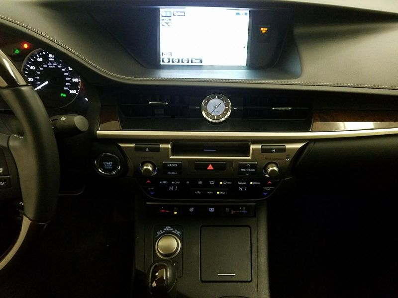 2015 Lexus ES 350 Loaded  NAV  CLIMATE  XMHD   in Minnetonka, Minnesota