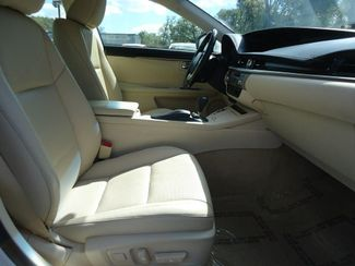 2015 Lexus ES 350 LUXURY NAVIGATION. AIR COOLED AND HTD SEATS. SEFFNER, Florida 16