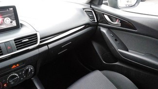2015 Mazda Mazda3 i Sport East Haven, CT 25
