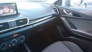 2015 Mazda Mazda3 i Sport East Haven, CT 25