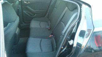 2015 Mazda Mazda3 i Sport East Haven, CT 26
