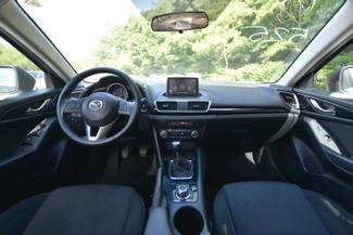 2015 Mazda Mazda3 i Touring Naugatuck, Connecticut 10