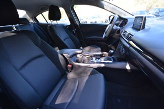 2015 Mazda Mazda3 i Sport Naugatuck, Connecticut 9