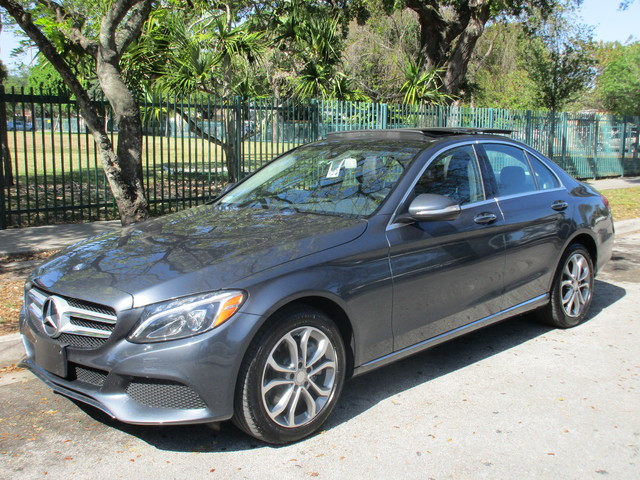 2015 Mercedes C300 Come and visit us at oceanautosalescom for our expanded inventoryThis offer e