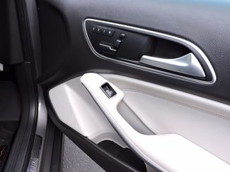2015 Mercedes-Benz GLA 250 4MATIC Bend, Oregon 9