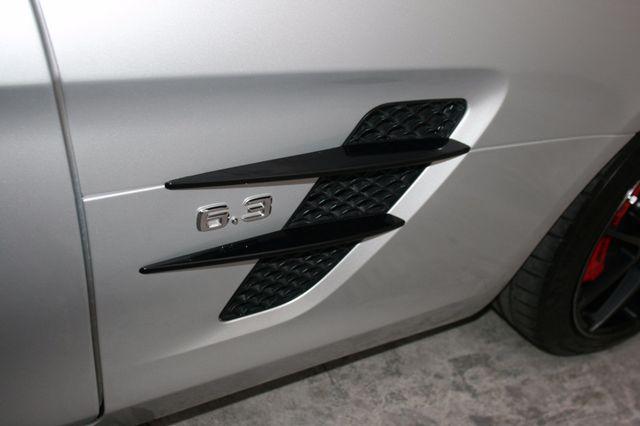 2015 Mercedes-Benz SLS AMG GT Final Edition Houston, Texas 10