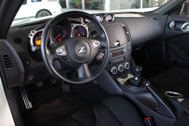 2015 Nissan 370Z Sport - 6-Speed Manual! Mooresville , NC 27