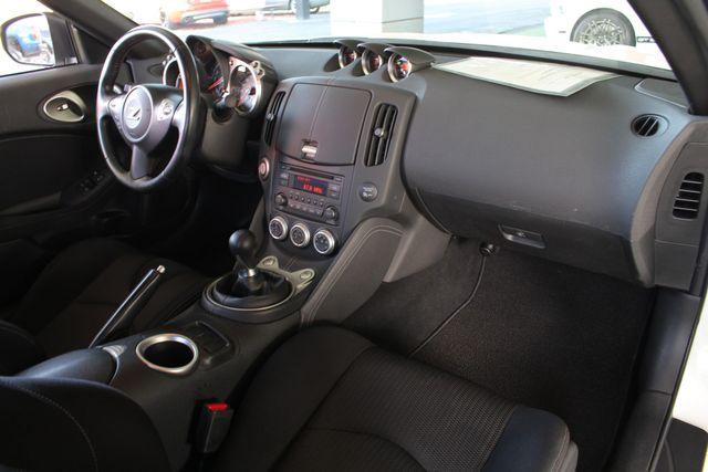 2015 Nissan 370Z Sport - 6-Speed Manual! Mooresville , NC 28