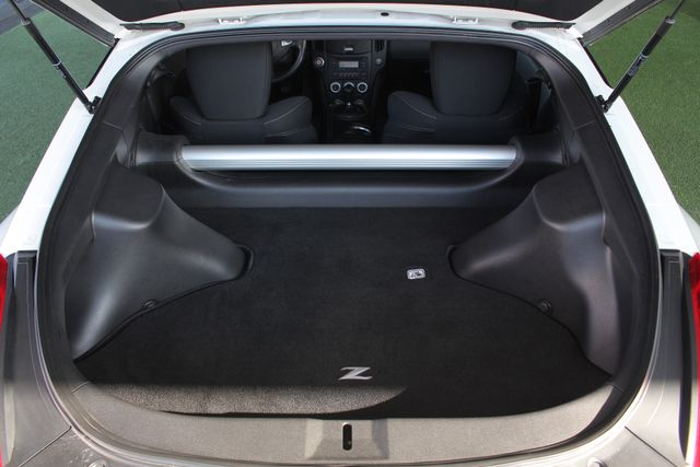 2015 Nissan 370Z Sport - 6-Speed Manual! Mooresville , NC 10