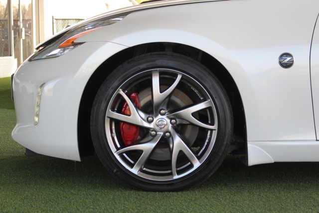2015 Nissan 370Z Sport - 6-Speed Manual! Mooresville , NC 17