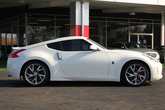 2015 Nissan 370Z Sport - 6-Speed Manual! Mooresville , NC 12