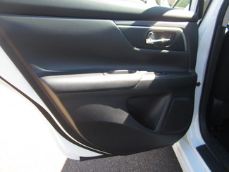 2015 Nissan Altima 2.5 S Batesville, Mississippi 25