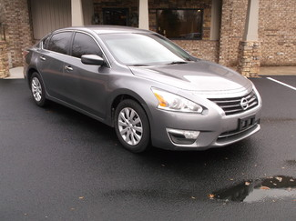 2015 Nissan Altima 2.5 in Clarksville Tennessee