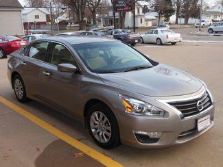 2015 Nissan Altima 2.5 S Clinton, Iowa 1
