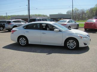 2015 Nissan Altima 2.5 S Dickson, Tennessee 1