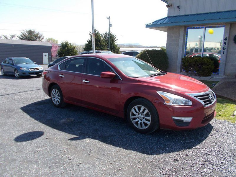 2015 Nissan Altima 2.5 | Harrisonburg, VA | Armstrong's Auto Sales in Harrisonburg VA