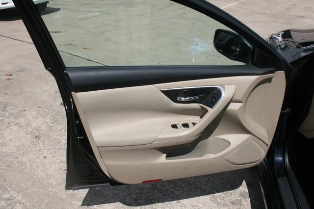 2015 Nissan Altima 2.5 S Houston, Texas 5