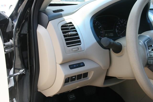2015 Nissan Altima 2.5 S Houston, Texas 6