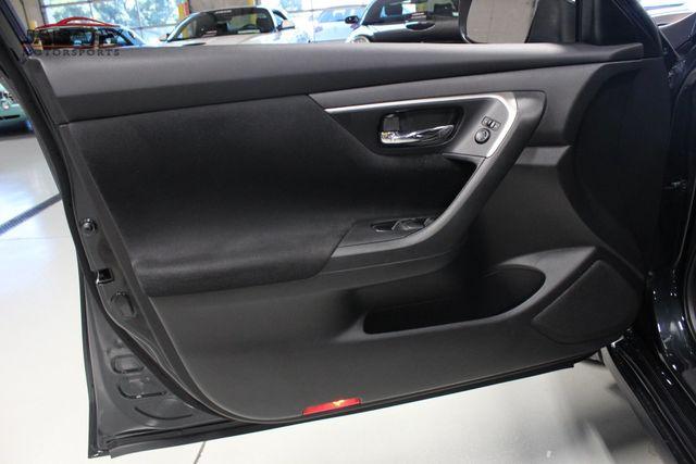 2015 Nissan Altima 2.5 SV Merrillville, Indiana 23
