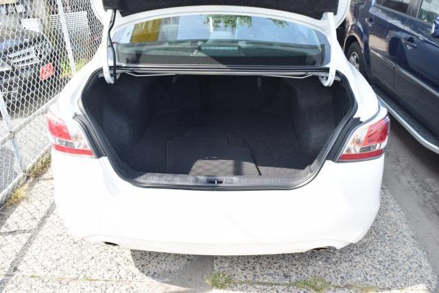 2015 Nissan Altima 2.5 S Richmond Hill, New York 4