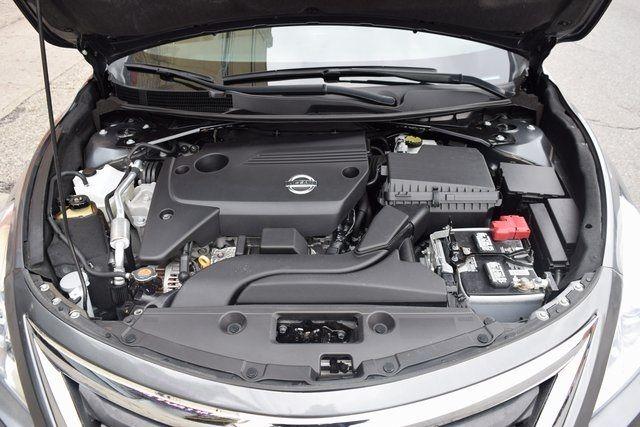 2015 Nissan Altima 2.5 SL Richmond Hill, New York 4