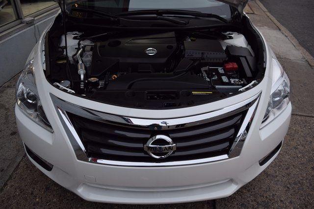 2015 Nissan Altima 2.5 SV Richmond Hill, New York 4