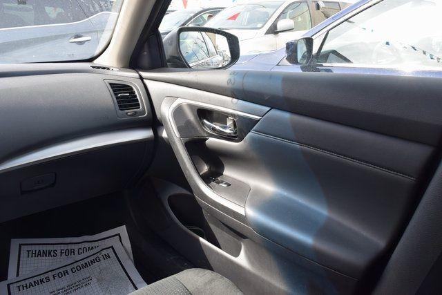 2015 Nissan Altima 2.5 SV Richmond Hill, New York 14