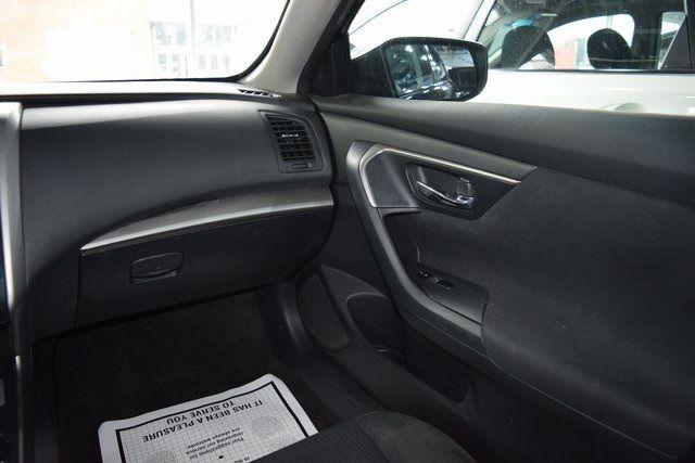 2015 Nissan Altima 2.5 S Richmond Hill, New York 13