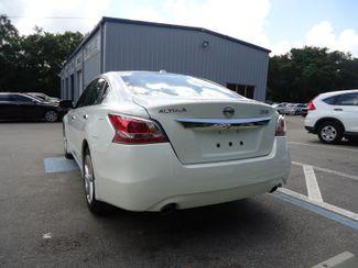 2015 Nissan Altima SL TECH. NAVIGATION. SUNRF. LTHR. BOSE. BLIND SPOT SEFFNER, Florida 9