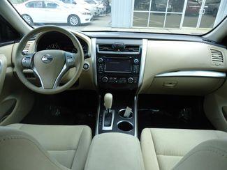 2015 Nissan Altima SV TECH PKG. NAVI. SUNRF. HTD SEATS. BLIND SPOT SEFFNER, Florida 19