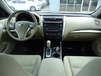 2015 Nissan Altima SV TECH PKG. NAVI. SUNRF. HTD SEATS. BLIND SPOT SEFFNER, Florida 20