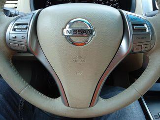 2015 Nissan Altima SV TECH PKG. NAVI. SUNRF. HTD SEATS. BLIND SPOT SEFFNER, Florida 22