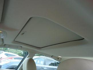 2015 Nissan Altima SV TECH PKG. NAVI. SUNRF. HTD SEATS. BLIND SPOT SEFFNER, Florida 31