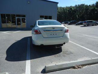 2015 Nissan Altima SL. LEATHER. SUNRF. CAMERA. BOSE SOUND. HTD SEATS SEFFNER, Florida 10