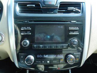 2015 Nissan Altima SL. LEATHER. SUNRF. CAMERA. BOSE SOUND. HTD SEATS SEFFNER, Florida 24