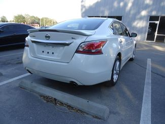 2015 Nissan Altima SL TECH. NAVI. SUNRF. LTHR. BOSE. BLIND SPOT SEFFNER, Florida 13