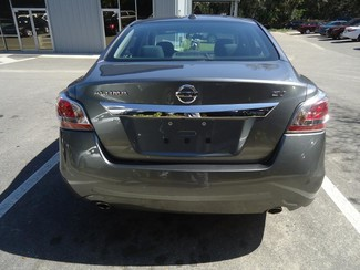 2015 Nissan Altima  SV. CAMERA. ALLOY. REMOTE STRT. DUAL ZONE AIR SEFFNER, Florida 9