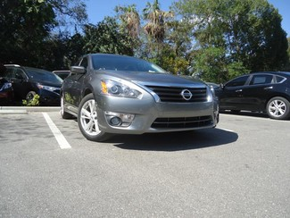 2015 Nissan Altima  SV. CAMERA. ALLOY. REMOTE STRT. DUAL ZONE AIR SEFFNER, Florida 4