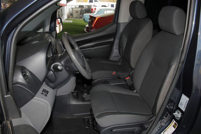 2015 Nissan NV200 SV - TECH PKG - NAVIGATION - MICHELINS! Mooresville , NC 8