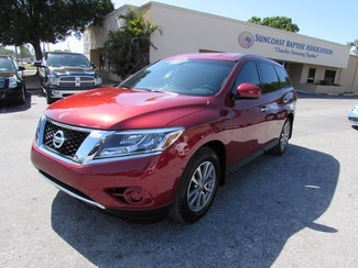 2015 Nissan Pathfinder in Clearwater Florida