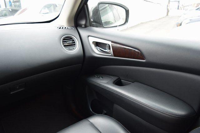 2015 Nissan Pathfinder SL Richmond Hill, New York 14
