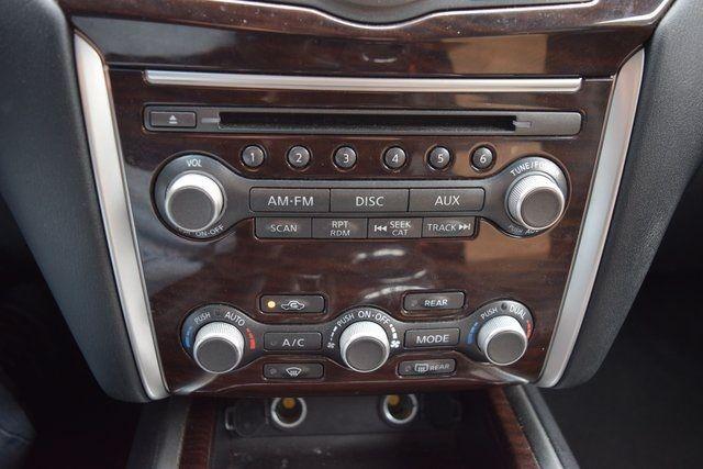 2015 Nissan Pathfinder SL Richmond Hill, New York 26
