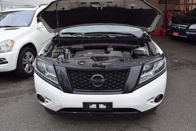 2015 Nissan Pathfinder SL Richmond Hill, New York 3