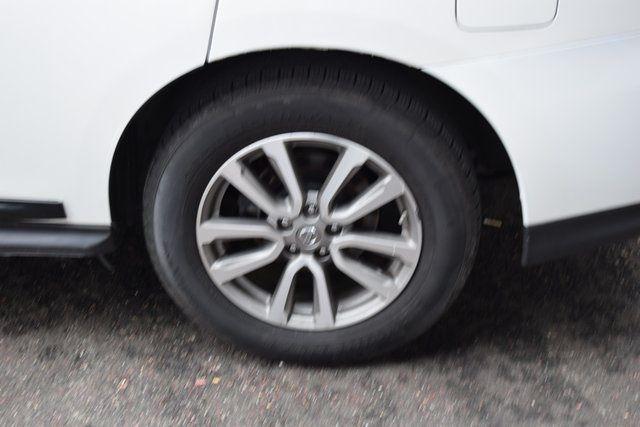 2015 Nissan Pathfinder SL Richmond Hill, New York 5