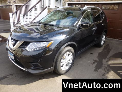 2015 Nissan Rogue SV * LOADED* NAV * Pano+++ in Minnetonka, Minnesota