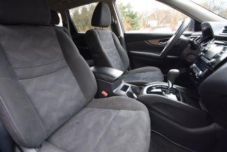 2015 Nissan Rogue SV Naugatuck, Connecticut 10