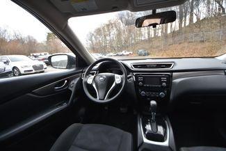 2015 Nissan Rogue SV Naugatuck, Connecticut 14