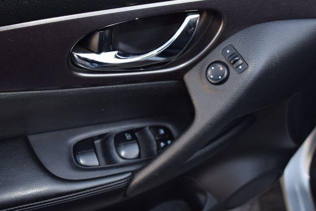 2015 Nissan Rogue SV Richmond Hill, New York 12